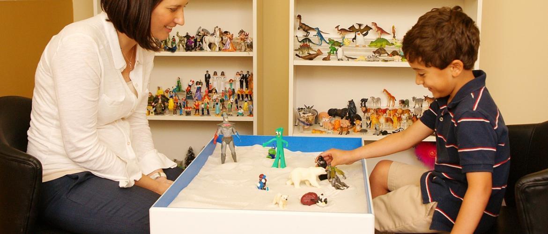 Oyunla Gelen Çözüm : Deneyimsel Oyun Terapisi